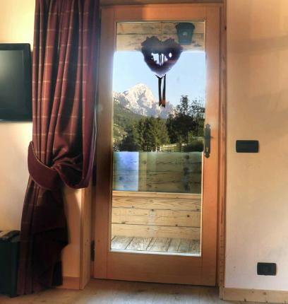 vista-dalla-porta-del-soggiorno