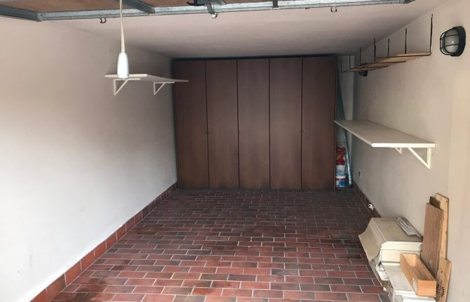 09. Garage
